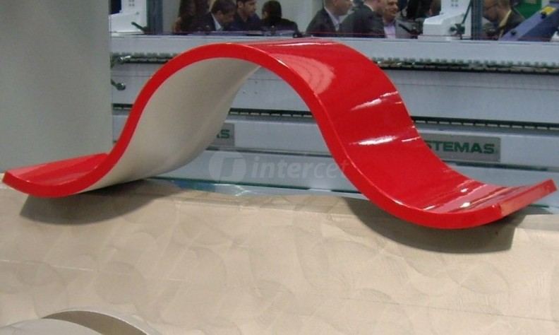 3D termoforming oplaščanje izjemno visokih ali ukrivljenih obdelovancev