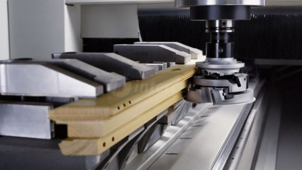 CNC center za profiliranje Weinig Conturex Compact doživel premiero