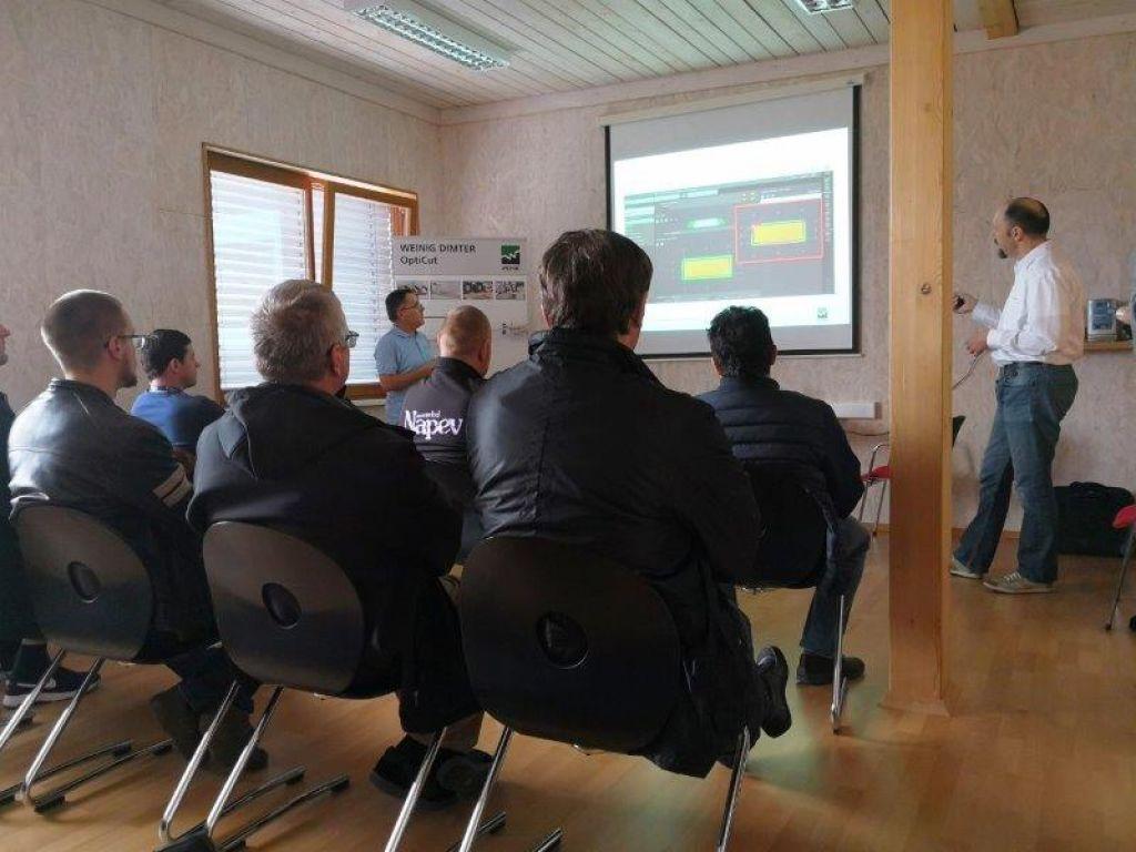 Strokovni simpozij Intercet - različne rešitve za učinkovito obdelavo lesa