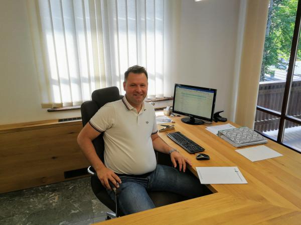 Direktor podjetja Nejc Jezeršek je skupaj z bratoma prevzel vodenje družinskega podjetja