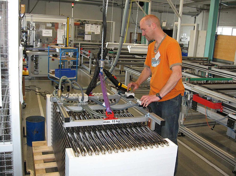 Manipulacija steklenih cevi