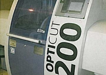 Za tem sledi dolžinski razrez letev na Dimtrovem optimirnem čelilniku OptiCut 200