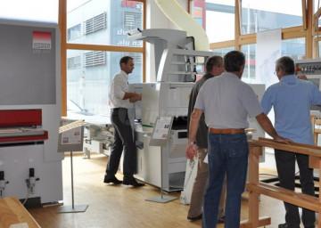 Stroji za obdelavo lesa Intercet - prikaz delovanja v živo.